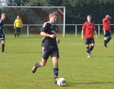 Für FC-Abwehrass Lennart Schröder steht am Wochenende gegen den Tabellenführer Schwerstarbeit in der Defensive an